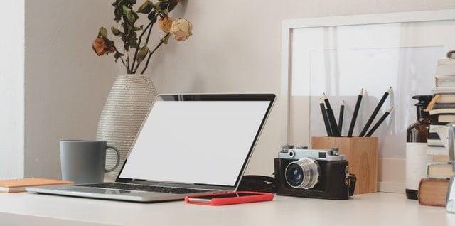 أفضل ٤ مشاريع للربح من الانترنت يمكنكِ إدارتها من منزلك