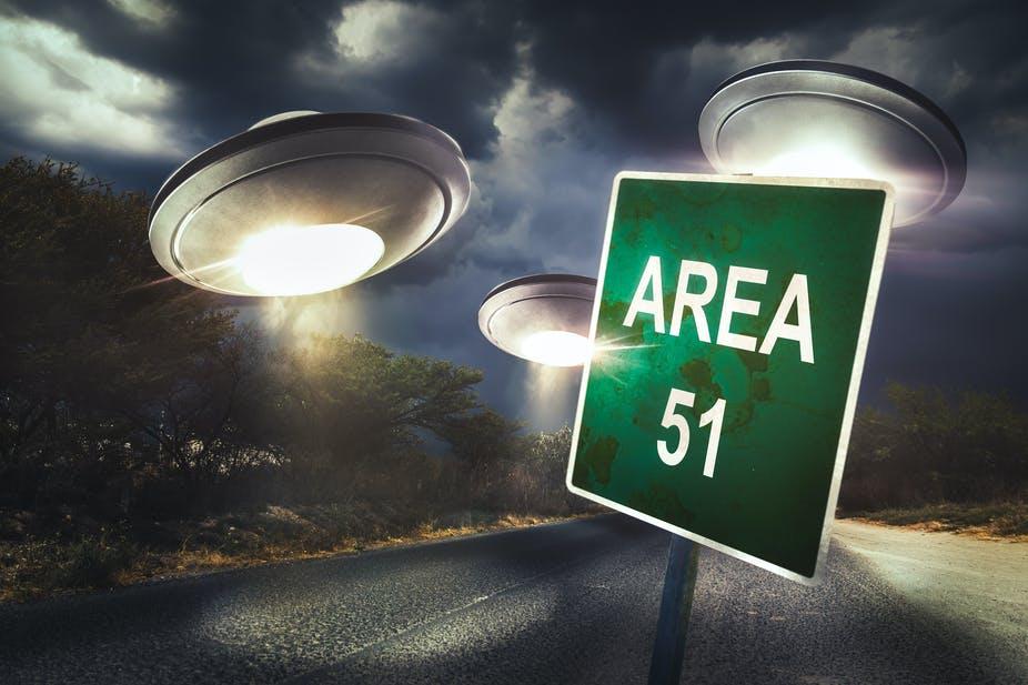 ما هي القاعدة الأمريكية الغامضة ٥١؟ و هل وجود الفضائيين حقيقة؟