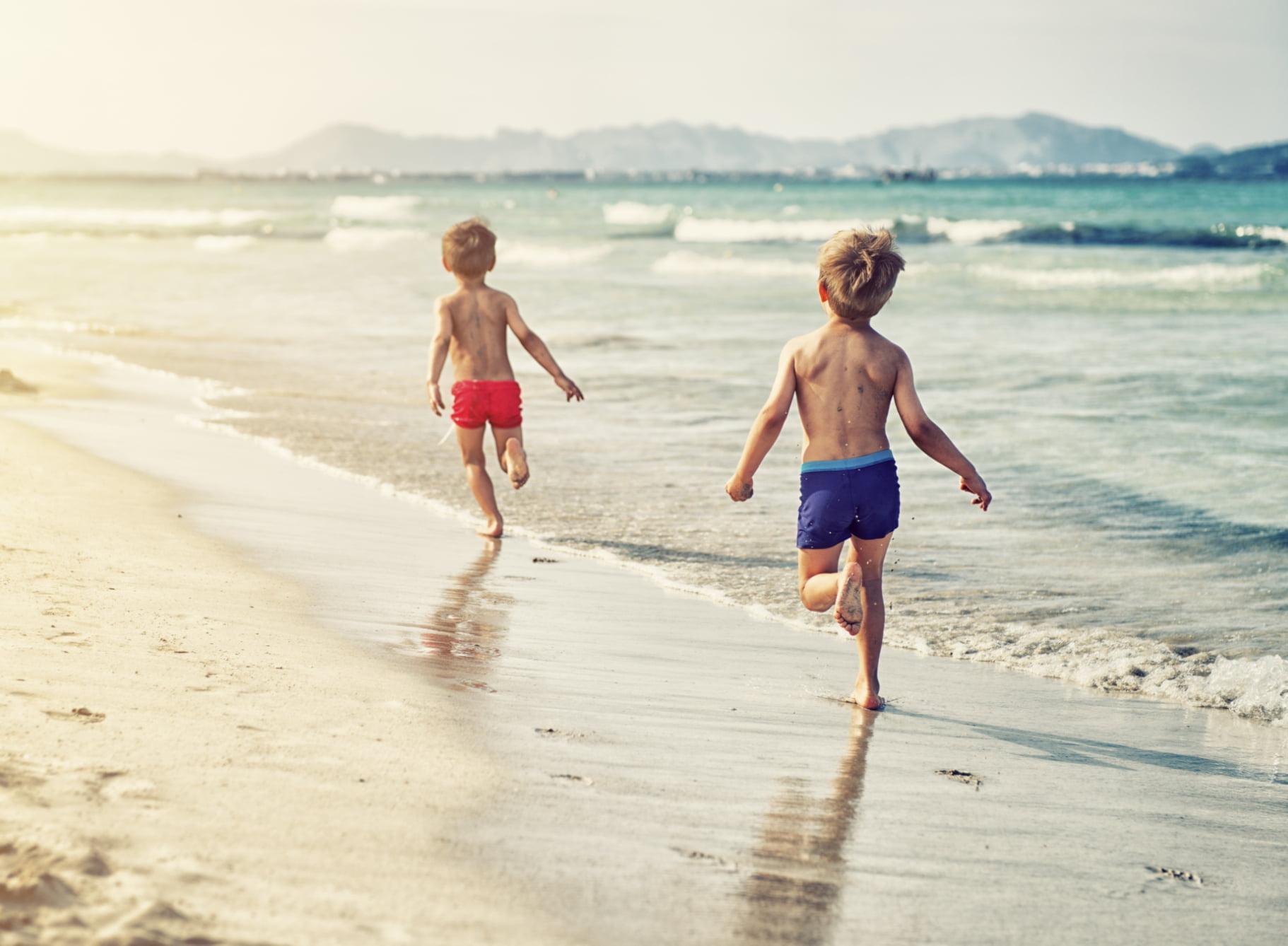 كيف تحمي أطفالك في الشاطئ؟