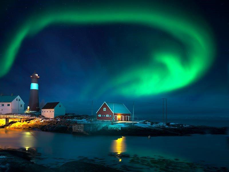 ظاهرة الشفق القطبي في آيسلندا