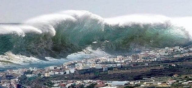 أمواج تسونامي